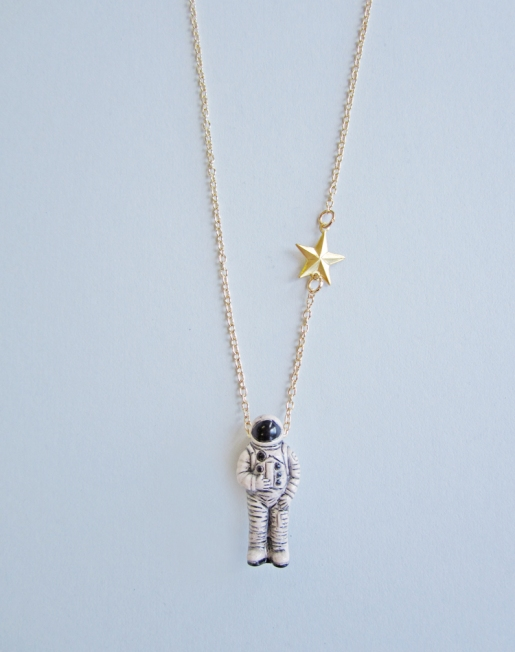 astronaut_necklace_2